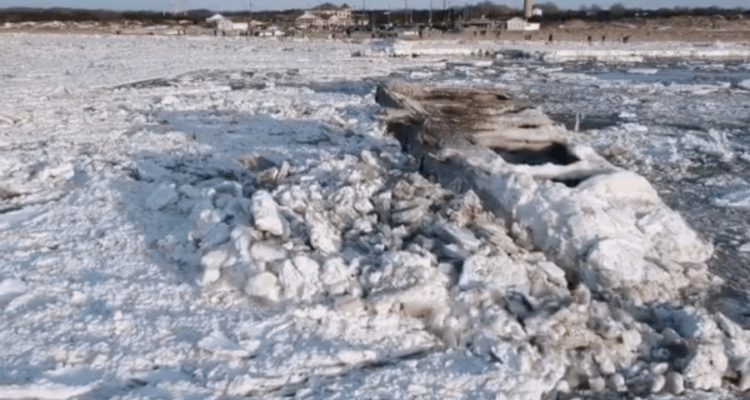 Watch Ice Crash into Cape May's Concrete Ship