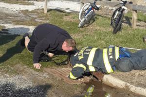 Wildwood Fire Department Saves Duckling