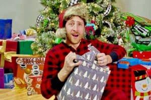 A Cozy Christmas Quarantine (Song)
