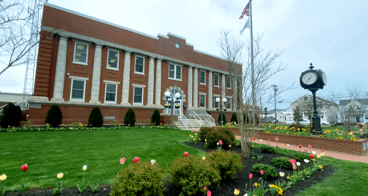 Touring N. Wildwood's City Hall Tulip Paradise